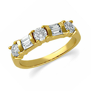 14k Yellow Gold 3/4 CT TW Diamond Round and Baguette Band