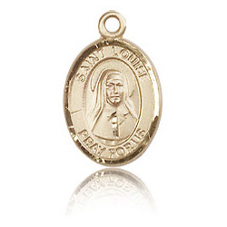 14kt Yellow Gold 1/2in St Louise de Marillac Charm