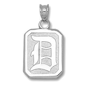 10kt White Gold 5/8in Duquesne D Shield Pendant