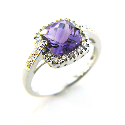 3.25 CT Amethyst Ring with Diamonds - 14kt White Gold