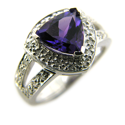 2.28 CT Amethyst Ring with Diamonds - 14kt White Gold