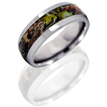 8mm Titanium Ring with Mossy Oak Obsession Camo Inlay