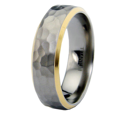 Gold-plated Titanium 7mm Hammered Ring