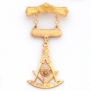 14kt Yellow Gold 2 1/4in Past Master Jewel