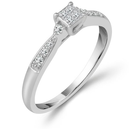 10k White Gold 1/6 ct tw Diamond Promise Ring