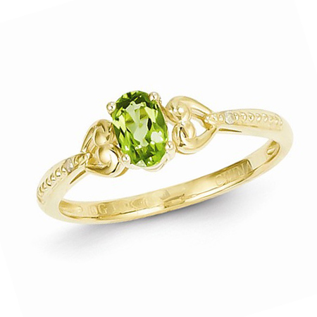 10kt Yellow Gold 1/2 Ct Oval Peridot Ring with Diamond Accents