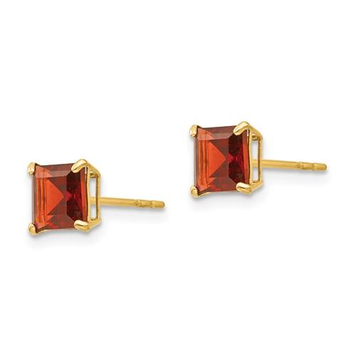 14kt Yellow Gold 1.8 ct Square Garnet Stud Earrings