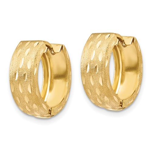 14kt Yellow Gold 5/8in Satin Huggie Earrings 4mm