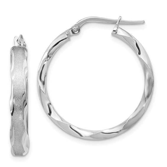 14kt White Gold 1in Italian Striped Round Hoop Earrings