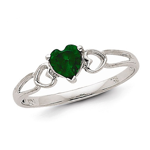 14kt White Gold 2/5 ct Heart Emerald Ring