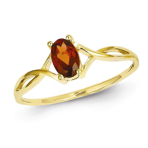 14kt Yellow Gold 2/3 ct Oval Garnet Ring