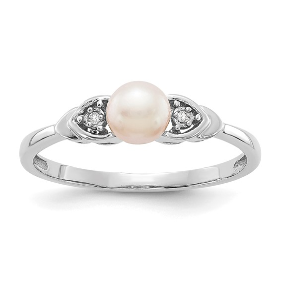 14kt White Gold 5mm Freshwater Pearl Ring with Diamond Accents