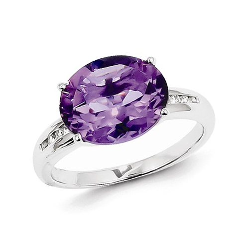 14kt White Gold 4.0 ct Oval Amethyst Ring with Diamonds