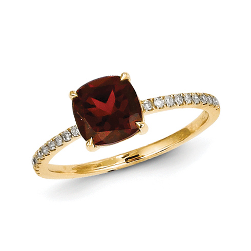 14kt Yellow Gold 1.4 ct Square Garnet Ring with Diamonds