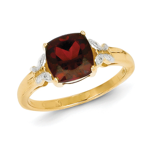 14kt Yellow Gold 3.5 ct Garnet Ring with Diamonds