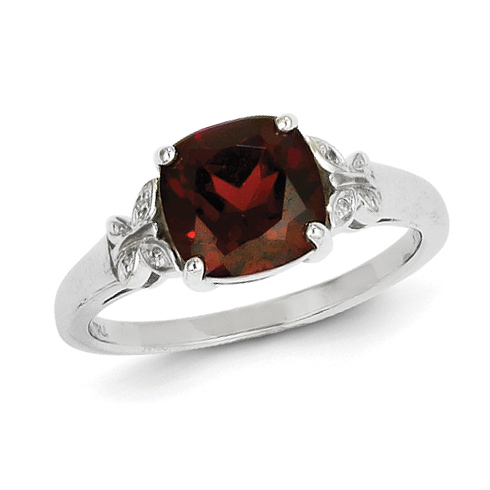 14kt White Gold 3.5 ct Garnet Ring with Diamonds