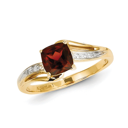 14kt Yellow Gold 0.7 ct Square Garnet Ring with Diamonds