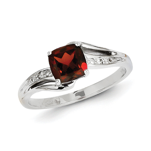 14kt White Gold 0.7 ct Square Garnet Ring with Diamonds