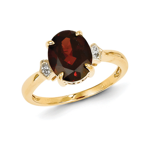 14kt Yellow Gold 2.5 ct Oval Garnet Ring with Diamonds