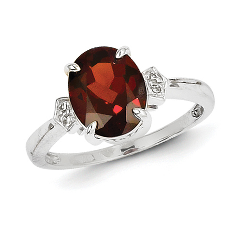 14kt White Gold 2.5 ct Oval Garnet Ring with Diamonds