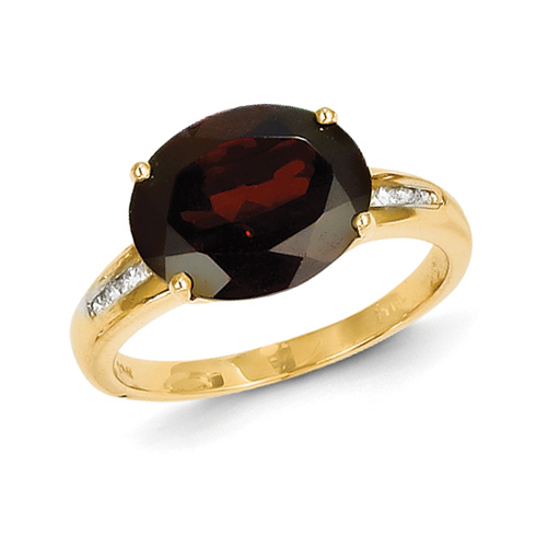 14kt Yellow Gold 5.5 ct Oval Garnet Ring with Diamonds