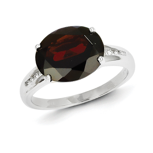 14kt White Gold 5.5 ct Oval Garnet Ring with Diamonds
