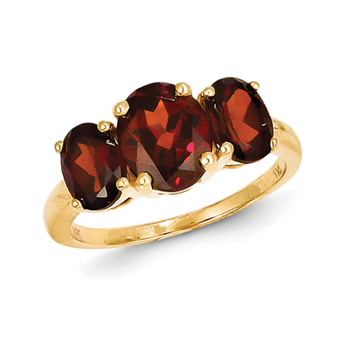 14kt Yellow Gold 3.0 ct Three Stone Garnet Ring