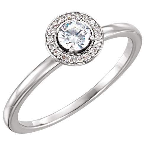 14kt White Gold 1/3 ct tw Diamond Halo Ring