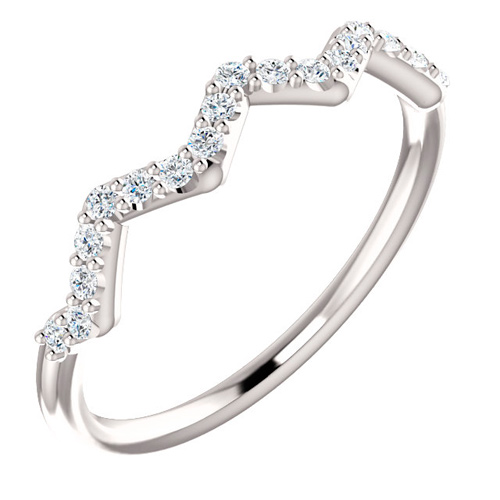 14kt White Gold 1/5 ct tw Diamond Stackable Zig Zag Ring