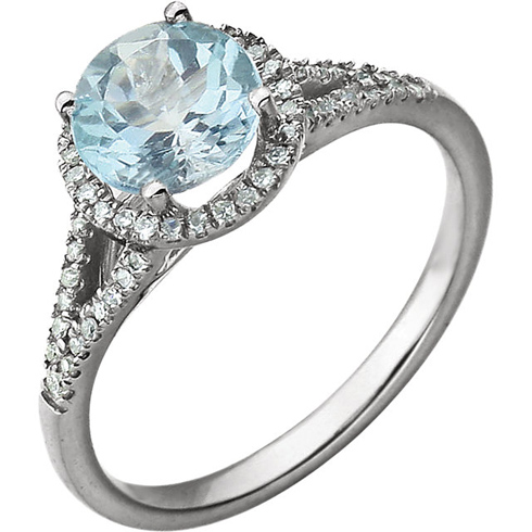 14kt White Gold Sky Blue Topaz Ring with 1/6 ct Diamonds