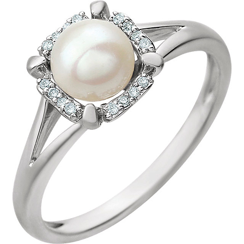 14kt White Gold 6mm Freshwater Cultured Pearl Ring with 1/20 ct Diamonds