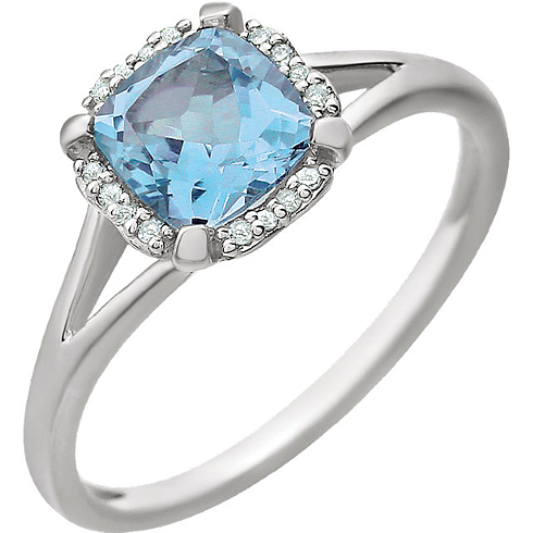 14kt White Gold 1.2 ct Sky Blue Topaz Ring with 1/20 ct Diamonds