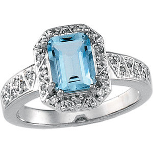 14kt White Gold 1.4 ct Emerald-cut Aquamarine and 1/6 ct Diamond Ring