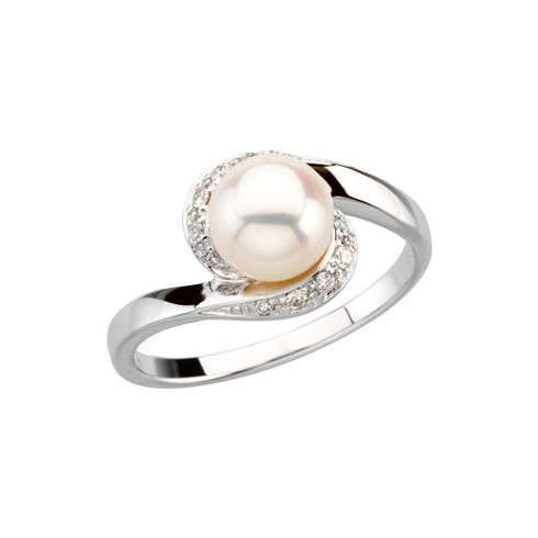 14kt White Gold 7mm Freshwater Cultured Pearl & 1/10 ct Diamond Ring