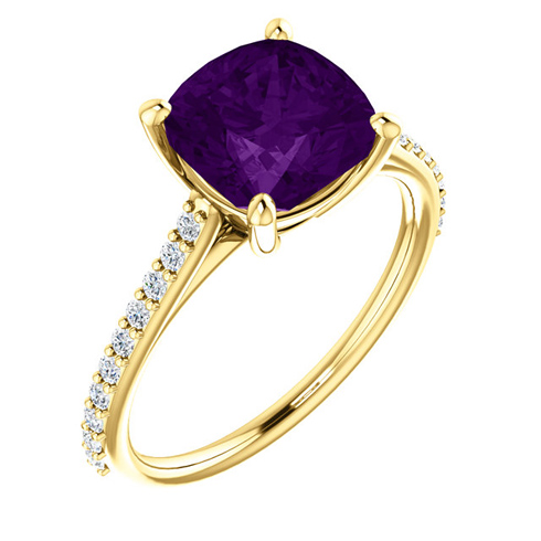 14kt Yellow Gold 2 ct Antique Square Amethyst Ring With Diamonds