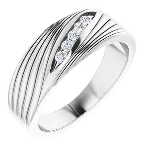 14k White Gold Men's 1/6 ct tw Diamond Ring with Diagonal Grooves