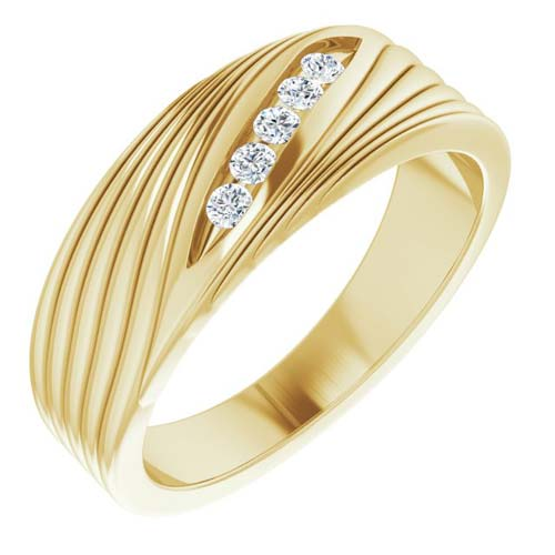 14k Yellow Gold Men's 1/6 ct tw Diamond Ring with Diagonal Grooves