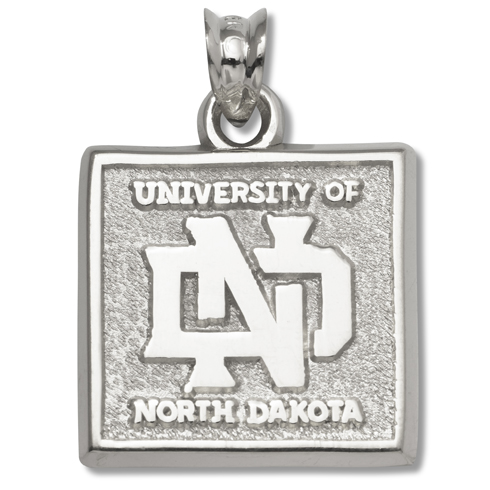 North Dakota 5/8in Pendant Sterling Silver